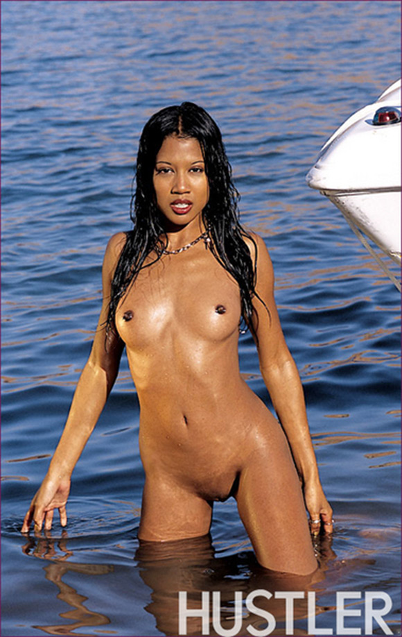 thai-girl-on-boat-naked-asian-fever-girl
